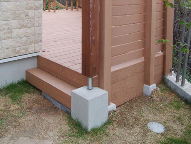 人工木材フェンス