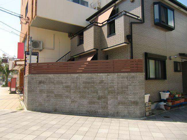 目隠しフェンスの施工例(兵庫県 グリーンアシスト かとう本舗様 ご施工)
