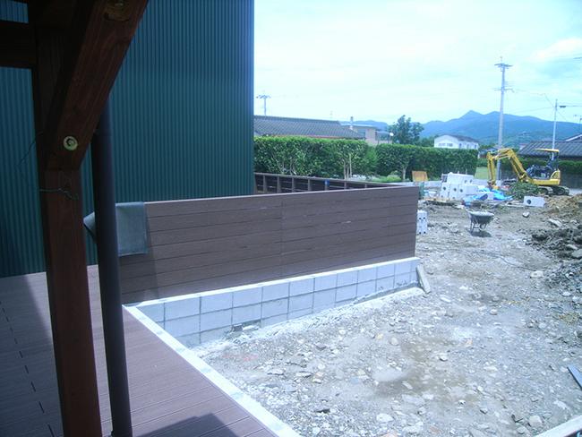 人工木フェンス 保育園
