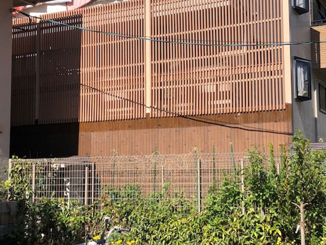 人工木材 ルーバーフェンス