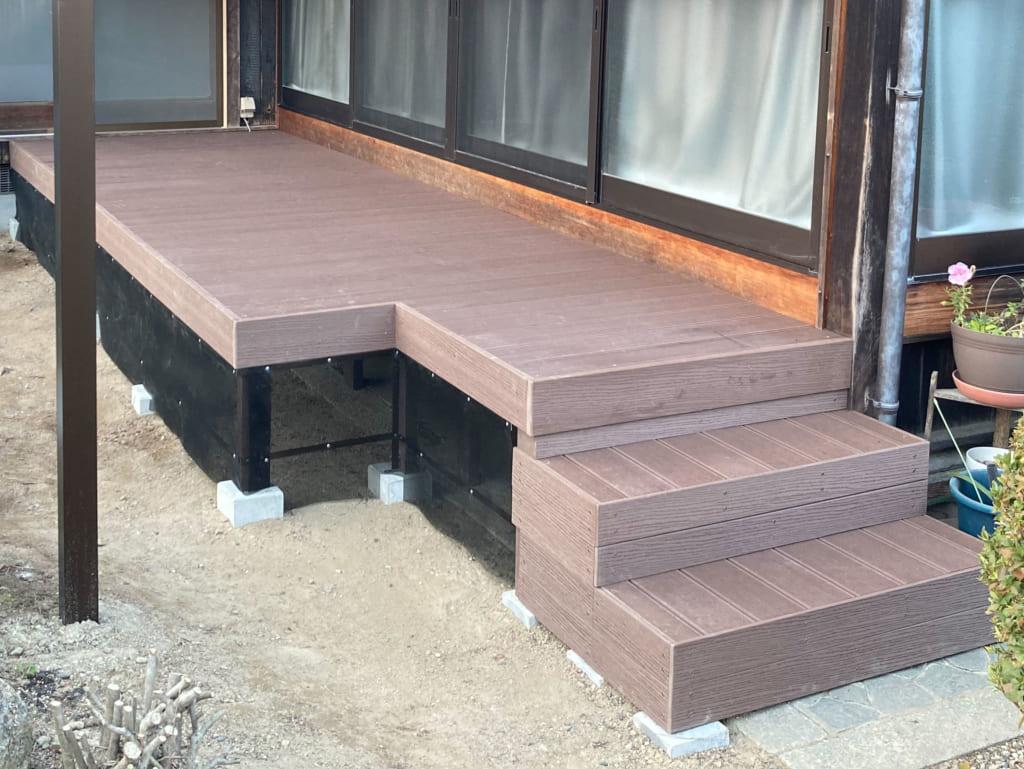 人工木 ウッドデッキ 階段