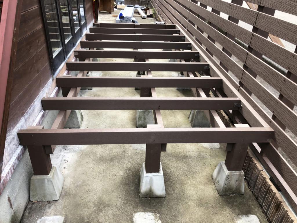 人工木 スロープ ウッドデッキ